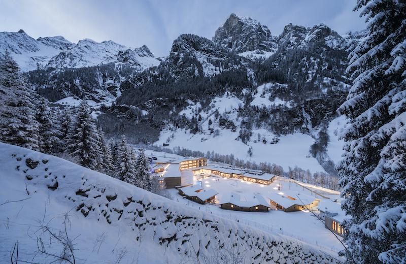 So malerische liegt das Feuerstein Resort im Winter (Foto: Feuerstein)