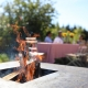 Kuschelige Feuerplätze und Grills gibt es im Garten