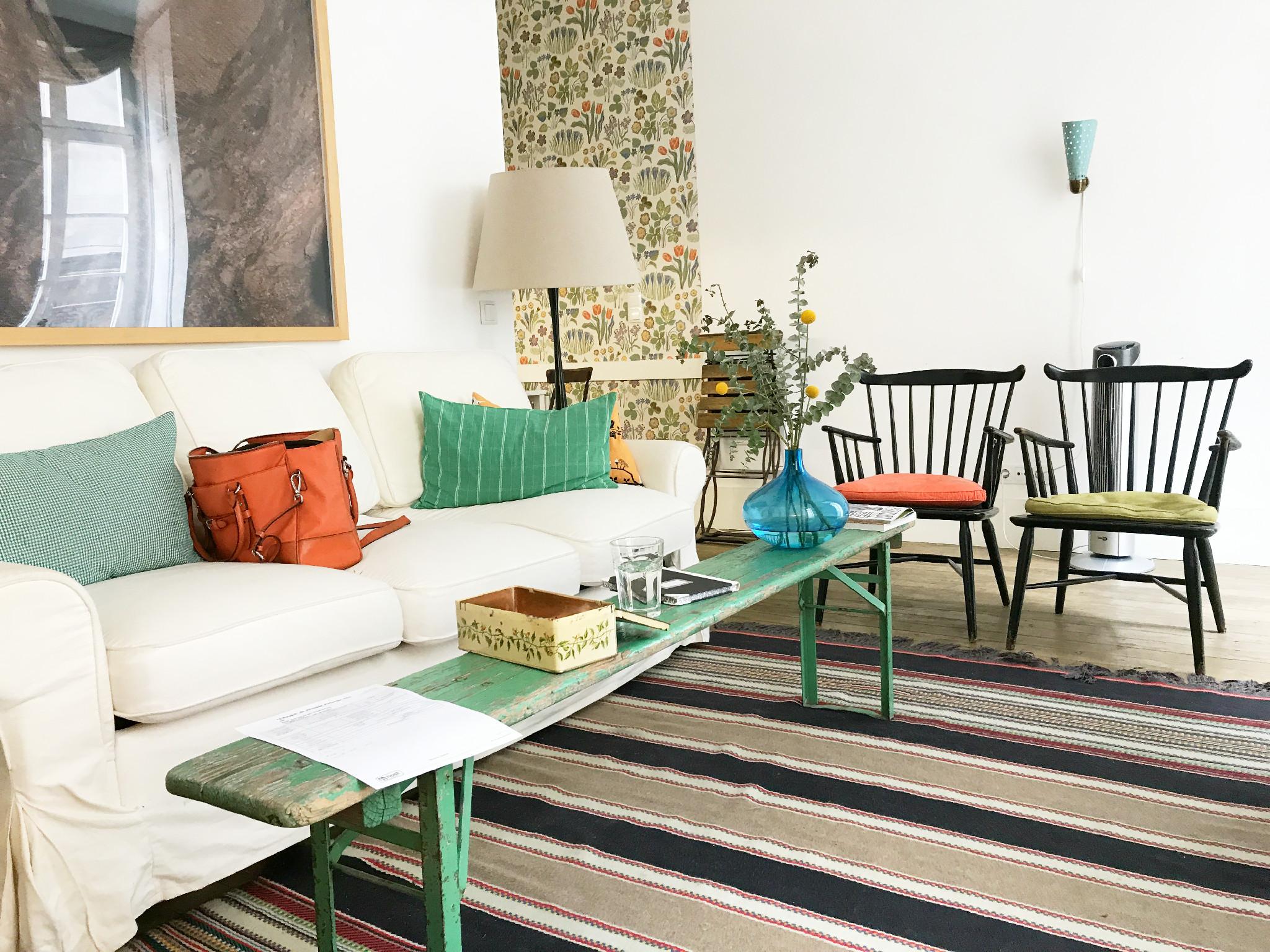 Das Baixa House ist kaum zu finden von außen - und von innen ein Designtraum mit einem zweiten Zimmer mit Bunkbeds für die Kids.