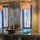 Jedes Zimmer ist individuell gestaltet - selbst die Badezimmer sind alle unterschiedlich und sooo hübsch!