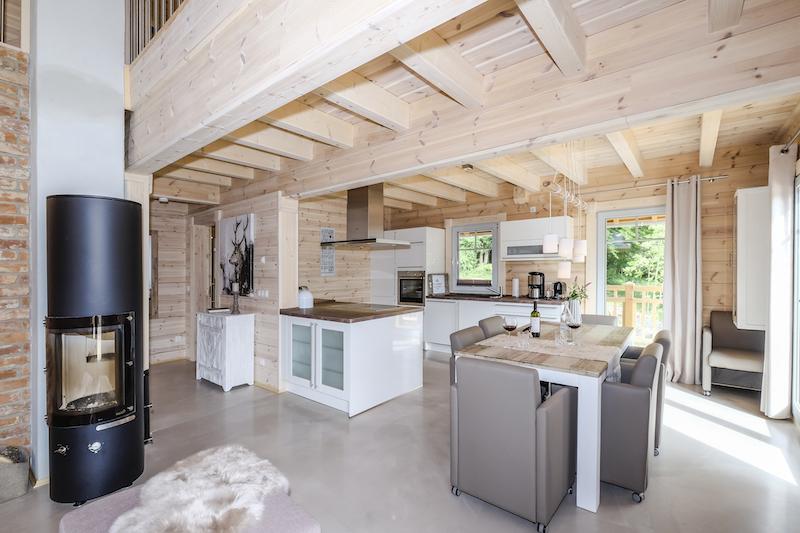 Richtig viel Platz in Küche und Wohnraum