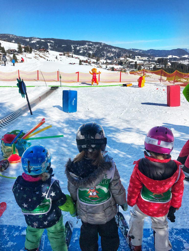 Familienfreundliche Skigebiete gibt es im Allgäu viele