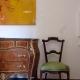 In den Zimmern- hier Zimmer 1 - findet ihr einen stilvollen Mix aus antiken und modernen Möbeln.