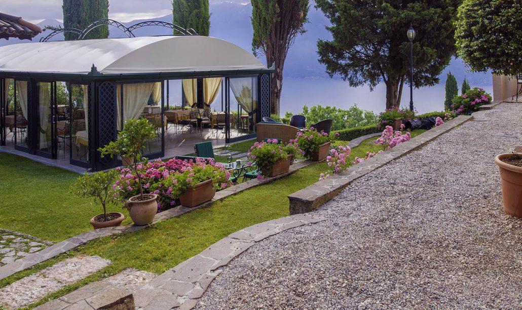 Hotel am Gardasee: Villa Sostaga