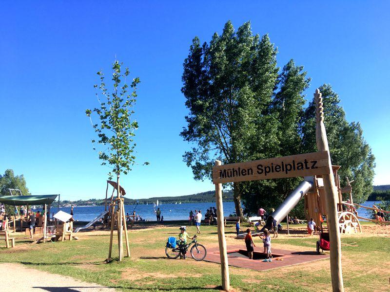 Fränkisches Seenland mit Kindern: Spielplatz am Großen Brombachsee