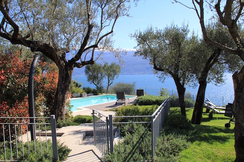 Der Blick vom San Giorgio Resort auf den Gardasee ist an Ostern einmalig!