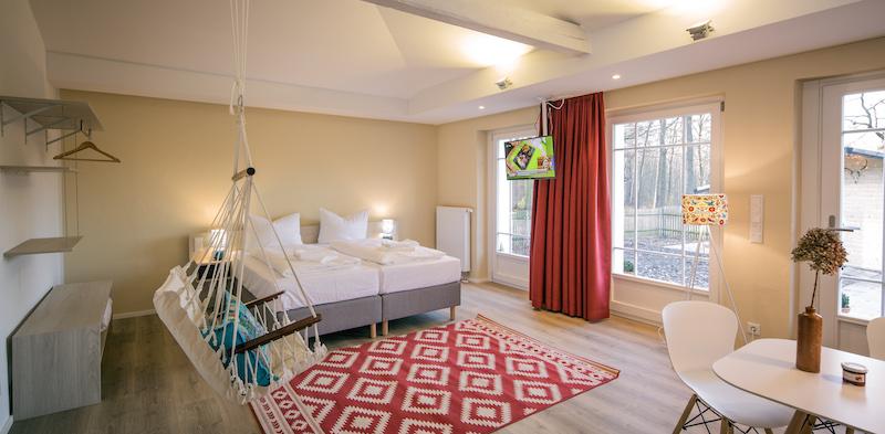 familienaufenthalt im little suites in der dresdner heide. Black Bedroom Furniture Sets. Home Design Ideas