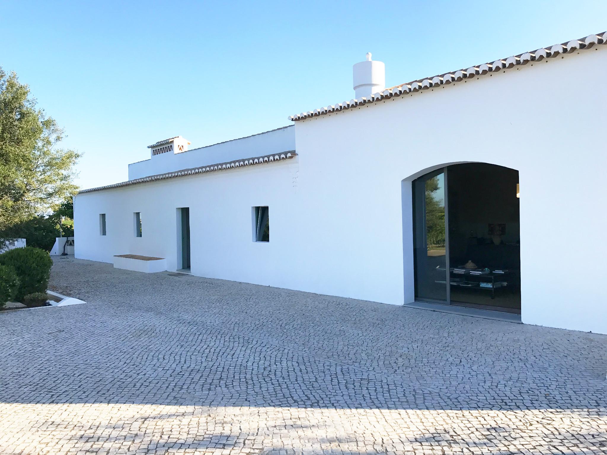 Casa do Eirado - der typische Kalkstein steht dem alten Haus gut!