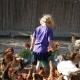 Ferien auf dem Bauernhof = Hühner füttern...