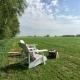 Blick in die schönen Natur Frieslands und viel Platz zum Toben.