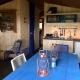 Die Küche vom Titanic mit Backofen und einem schönen Gasherd für die kühleren Abende bietet genug Platz für die ganze Familie.