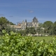 Das Schloss les Carrasses vom Weinberg aus