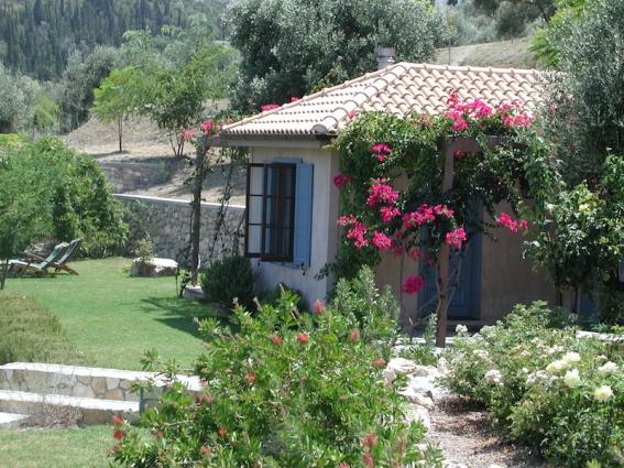 Im Levendis Estate urlaubt Ihr in nur vier Ferienhäusern mit jeweils riesigen Gärten