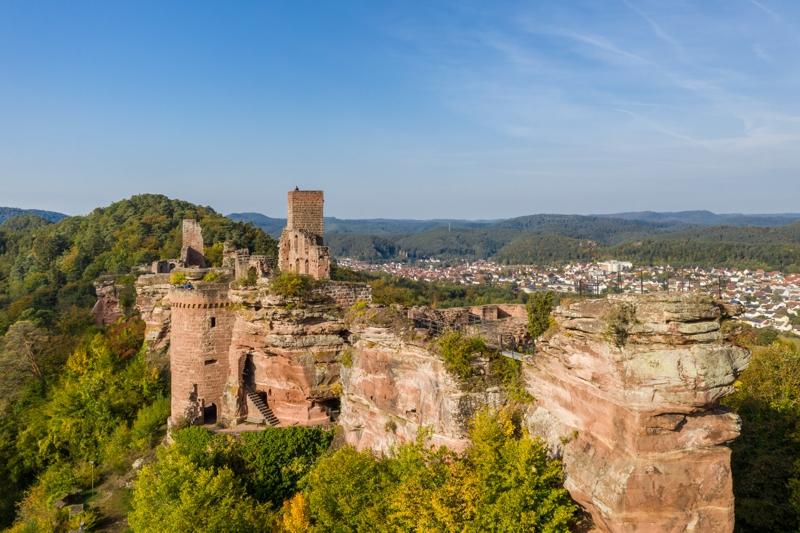 Familienurlaub Pfalz: Die Burgruine Alt-Dahn