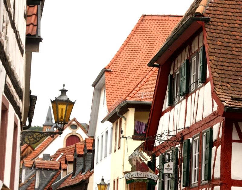 Pfalz mit Kindern: Bilderbuch-Gässchen und mediterranes Flair in den Weinstädten