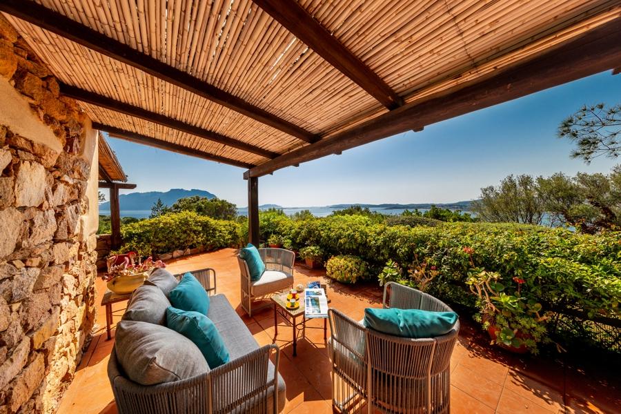 So geht Sardinien mit Kindern im Nordosten - Mitten in der Natur aber dennoch ganz nah bei Olbia und fußläufig zu mehreren Buchten liegt die Villa La Castanza