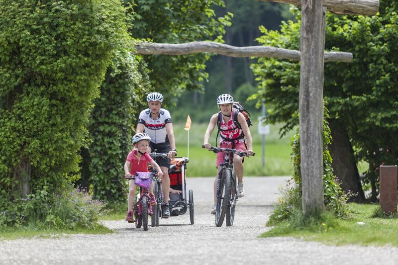 Von Höhle zu Höhle oder Spielplatz zu Spielplatz radeln - Radfahren auf der Schwäbischen Alb klappt mit Kindern grandios!