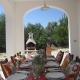 Buon appetito! Auf dieser Terrasse der Villa schmeckt jedes Abendessen gleich doppelt so gut