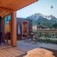 Überdachte Terrasse mit eigener Sauna und Ausblick inklusive