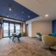 Ein XL-Familienapartment mit stylischer Wohn-Lounge, Balkon mit Meerblick, separatem Elternschlafzimmer und...