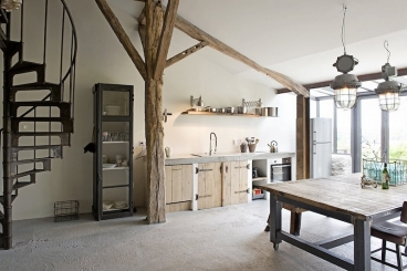 Modern Kochen unter uraltem Gebälk in Apartment 3