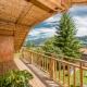 Der tolle Blick von der Terrasse des Chalets Höflehner in die Landschaft