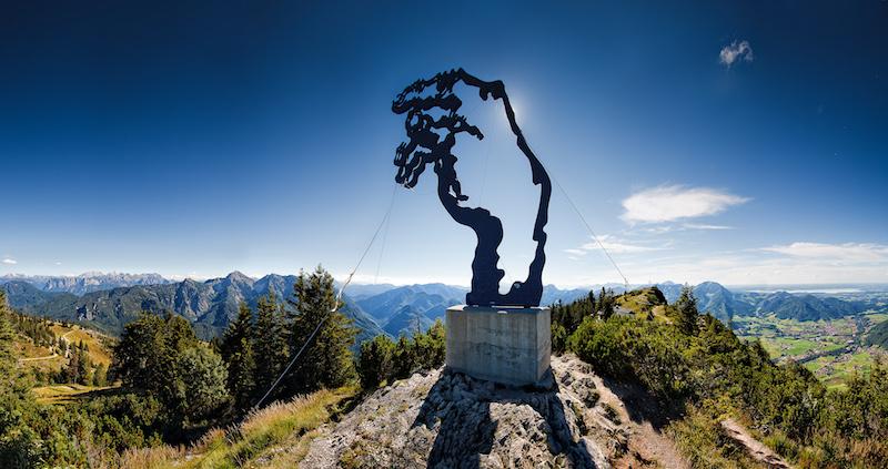 Auch der Rauschberg ist einen Ausflug wert. Vor allem weil die Gondel zum Teil fast senkrecht am Felsen hochfährt!