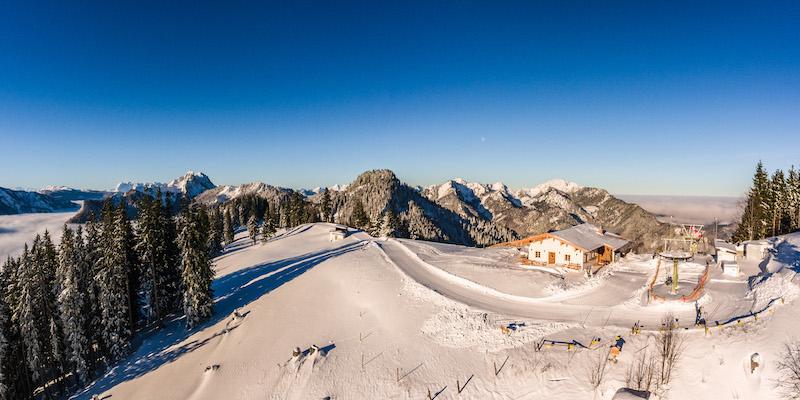 Der Skilift im Skigebiet Unternberg - nicht groß, aber dafür mit um so schönerem Panorama!