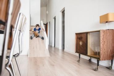 Im Haus Courbe rutschen die Kinder aus ihrem Zimmer