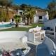 Der Garten im El Aleph - komplett mit Pool, Chill Out Zone und Außenküche.