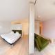 Das Hotelappartement Grießenkar begeistert Familien mit seinem klaren Design.