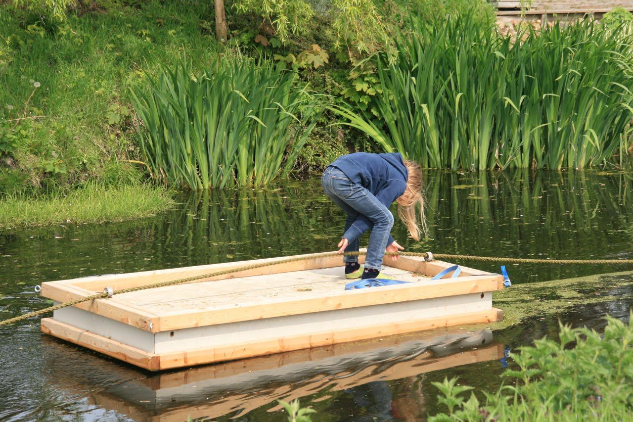 Hier werden Kinder zu Floß-Architekten!
