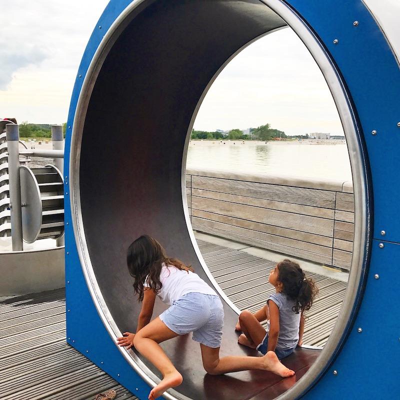 Spielplatz auf der Seebrücke - Meerwasser fördern...