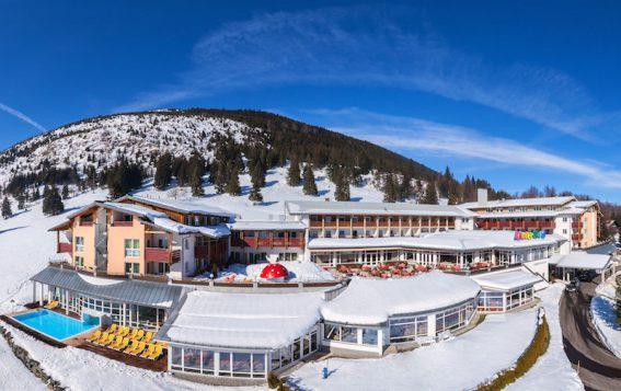 Das Kinderhotel Oberjoch in seiner vollen Pracht im Winter