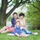 Eure Gastgeber Clio und Bryn mit ihrer Tochter Delphi