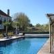 Das traumschöne Le Guinot Herrenhaus - direkt davor liegt der Garten mit Pool