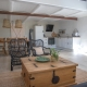 Im Lustrup Farmhouse herrscht ein Mix aus modernen Möbeln und alten Fundstücken