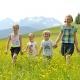 Im Sommer genießt Ihr die blühende Natur bei einem Spaziergang...