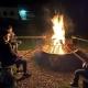 Tag ausklingen lassen bei Lagerfeuer und Stockbrot