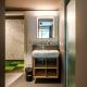 Gar nicht Jugendherberg-style: Jedes Zimmer hat ein eigenes Bad