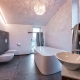 Das Bad der Suite Tafel - wie in einem Wellnesstempel