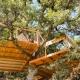 Für Glamping-Fans gibts auch ein Baumhaus