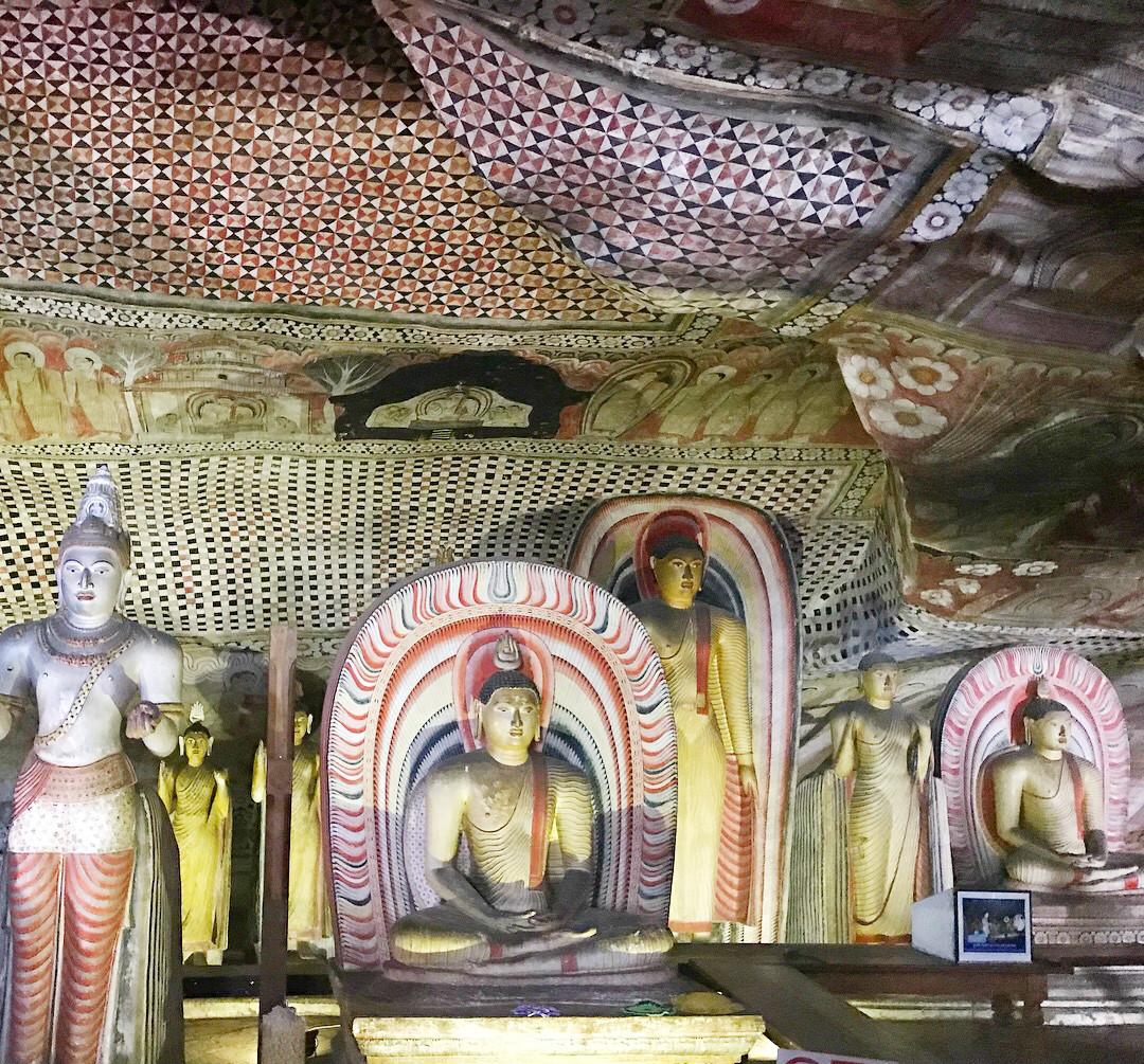 Die Dambulla Höhlen sollte man gesehen haben! Selbst die Kinder sind aus dem Fotografieren gar nicht mehr rausgekommen...