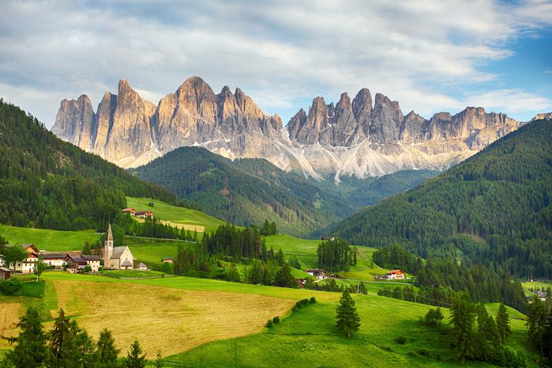 Vilnöss im Eisacktal - mit Blick auf die Dolomiten. Diese Dramatik!