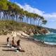 Yoga und Meditation könnt Ihr im Yogazentrum oder direkt am Strand praktizieren
