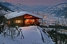 Das Chalet Alpenrose, Herzstück des Wachterhofs, gemütlich im Winter